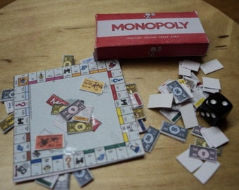 Dolls House Miniatures - 1/12th Monopoly Game