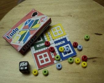 Dolla House Miniatures- 1/12th Ludo Set