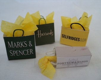 Dolls House Miniatures- 1/12th Shopping Bags - LONDON - set 3