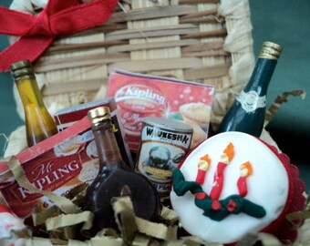DOLLS HOUSE MINIATURES - 1/12th Christmas Hamper