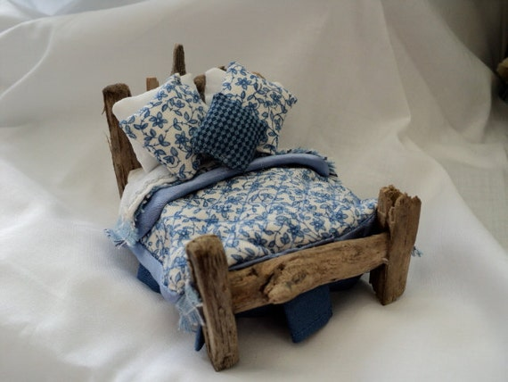 Dolls House Miniatures - Drift Away 1/24th (half Inch) Double Bed - Petite Blue