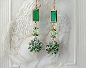 Vintage 4 Leaf Clover Green Rhinestone Earrings