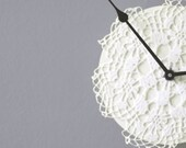 Doily clock: Clock made with vintage French doily