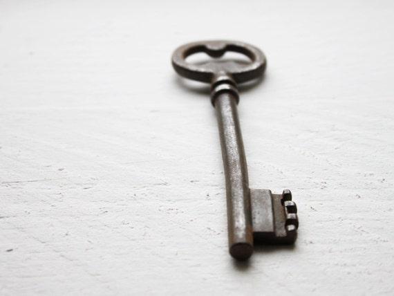 Vintage French skeleton key