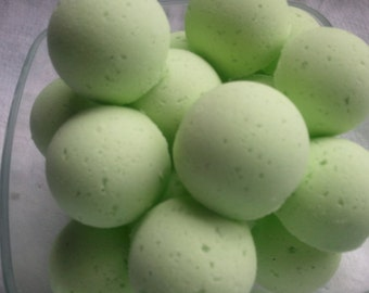 14 bath bombs Detox Spearmint & Eucalyptus Essential Oils 100% Natural gift bag bath fizzies with shea and cocoa butter, ultra moisturizing