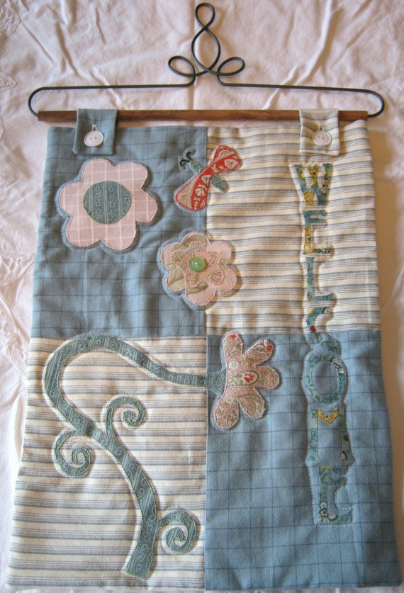 Welcome pastel wallhanging