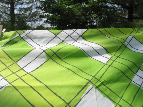 Vintage Sheet Double Flat or Top Sheet Green and White with Black Stripes 81 x 104  Vera Collection