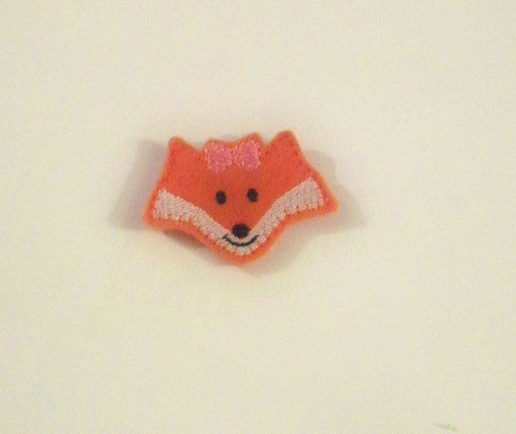 Machine Embroidered Hand made (4) Felt Fox Embellishments / appliques