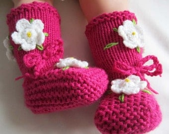 Gardenia Blooming Pink Baby Girl Booties - Size from 0-12 mos