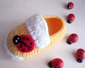 Ladybug Crochet Baby Booties - Size from 0-12mos