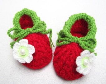 White Pearl Flower Crochet Baby Girl Booties - Size from 0-12mos