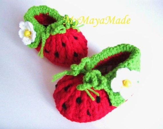Items similar to Red Strawberry Crochet Baby Booties on Etsy