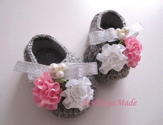 Silver Ribbon Beaded Flowery Gray Wool Crochet Baby Booties - Size From 0-12mos