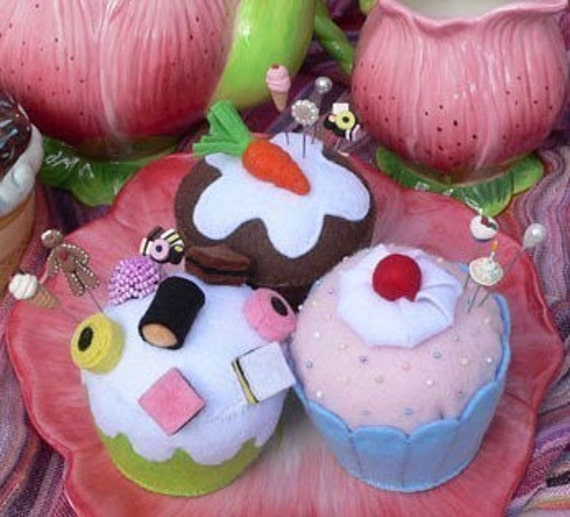 Felt  Pin Cushion PDF Sewing Pattern Cupcakes