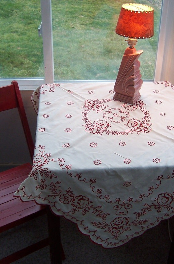 Scalloped 1950s Tablecloth with Floral Velveteen Flocking Design