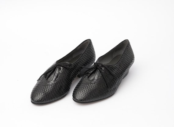 Size 7 wide Black woven Patent leather Shoes laced up Dead Stock Vintage
