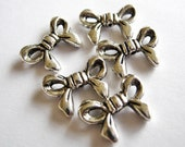 10 Silver Tone Big Bow Beads M141-10