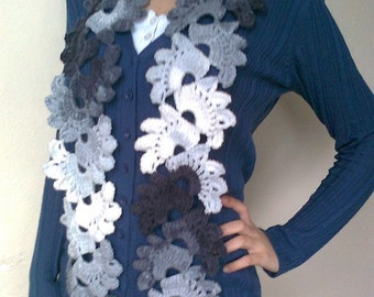 Crocheted Lace Scarf(Gray-White)