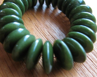 25 Glossy Forest Green Tagua Nut Beads, Lens, 13mm Rondell Beads, EcoBeads, Natural Beads, Organic Beads, Vegetable Ivory Beads