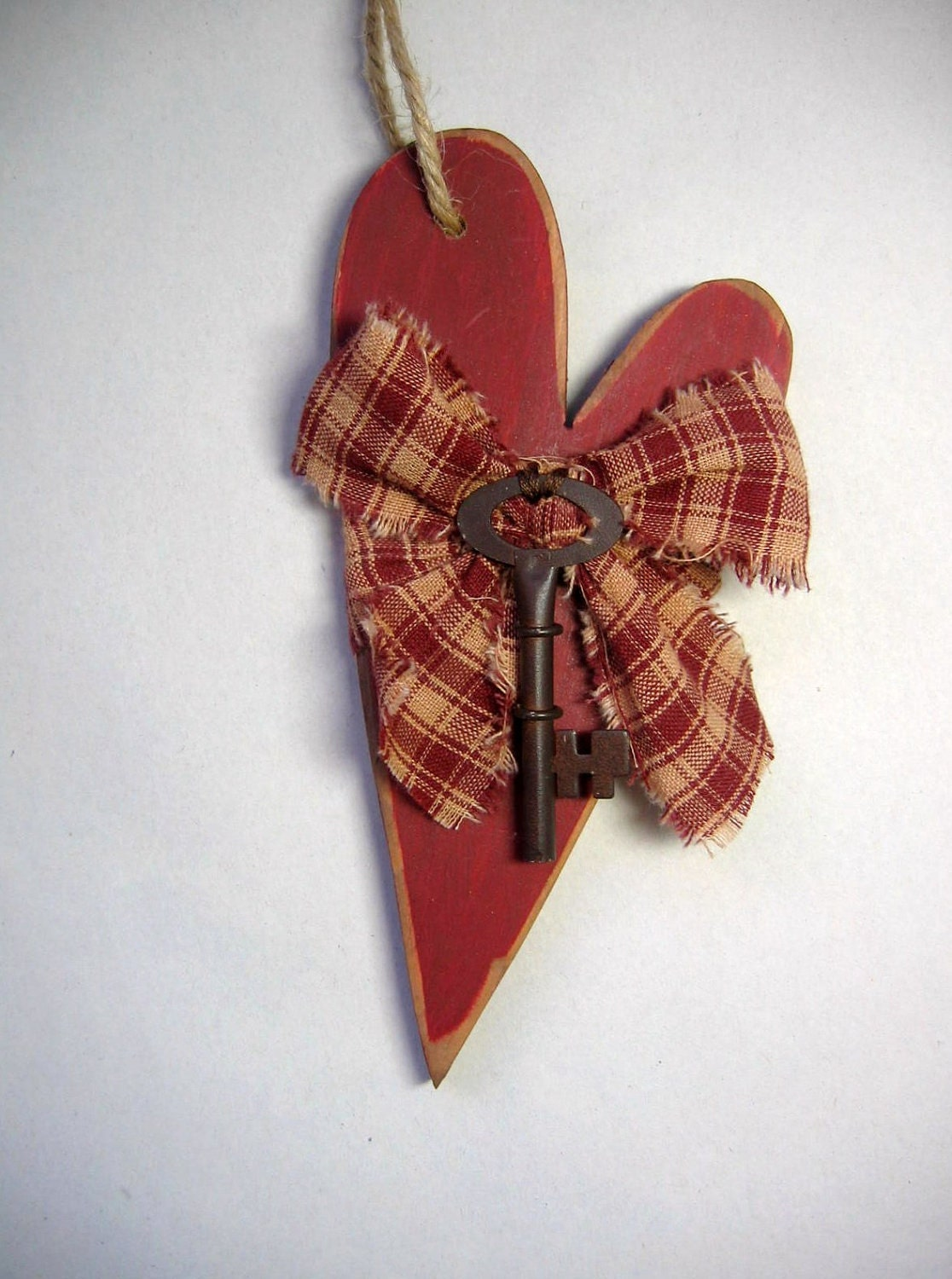 Wood Cutout Primitive Hanging Heart With Key