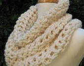 Chunky Cowl Scarf Neckwarmer Capelet Snood Soft Warm Comfy Cream
