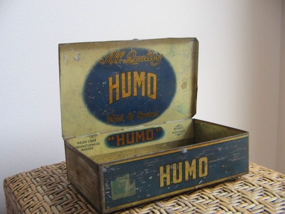 Vintage Humo Cigar Box Tin Metal Rusty Aged By