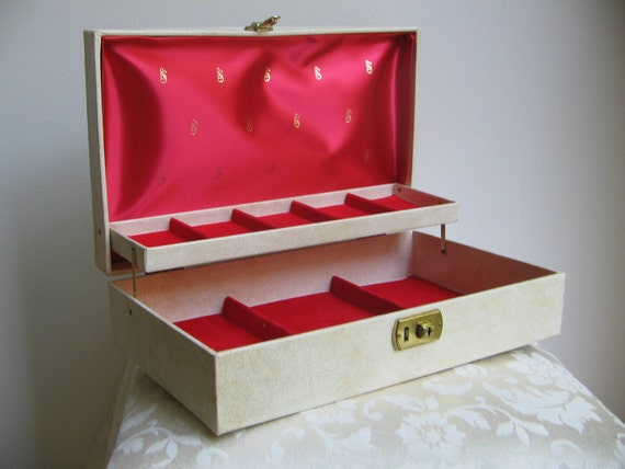 Vintage Jewelry Box Mid Century Large Leather Leatherette Cream Red Gold Lock Key BEAUTIFUL, Fleur de Lis