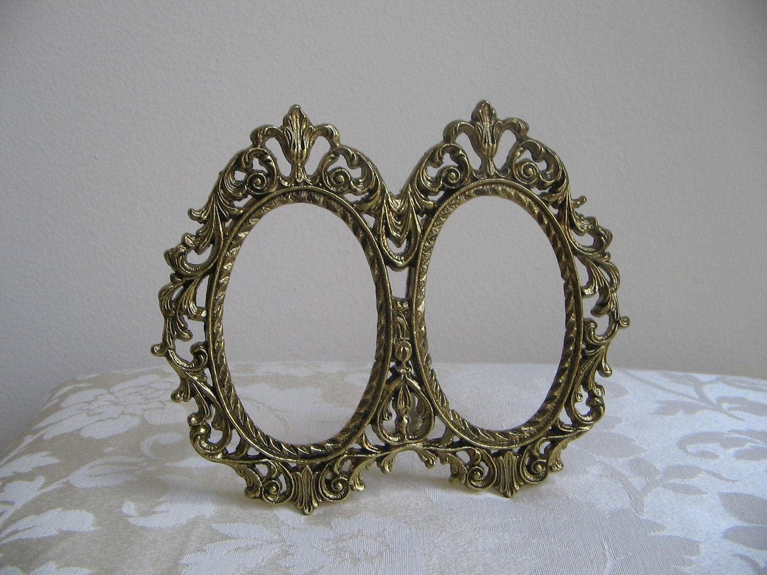 Vintage Ornate Gold Metal Picture Frame Oval Flourish Double