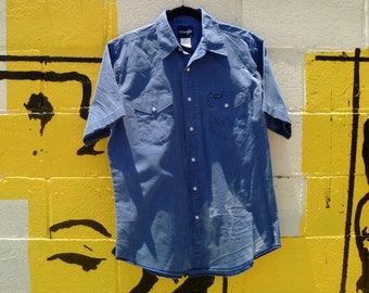 Vintage 90's Wrangler Chambray Western Short Sleeve Shirt with Pearl Snap-Buttons Size Large