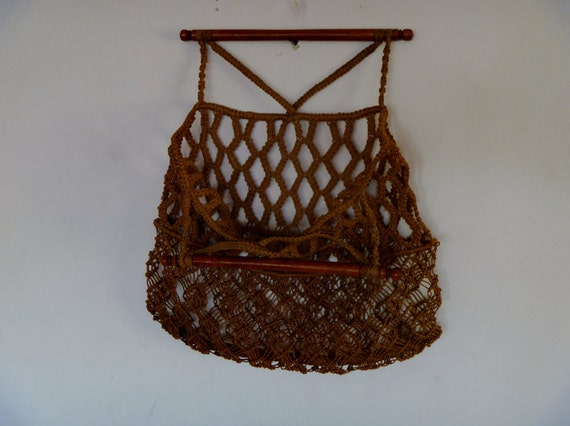 Vintage 70's Moroccan Woven Farmer's Market Hand Bag with Wood Handles Great for the Beach