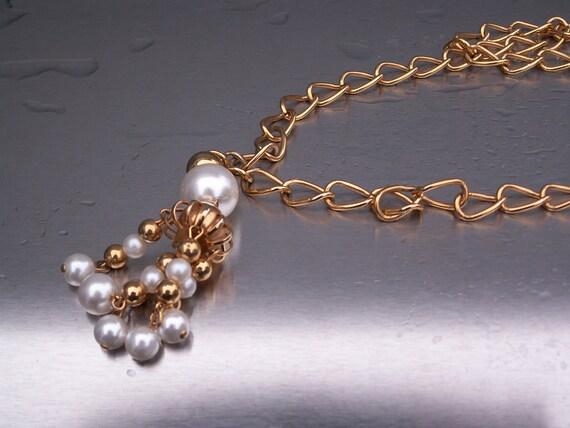 Vintage Necklace Pearl Pendant Tassle Heavy Link Goldtone Dangles 1960s