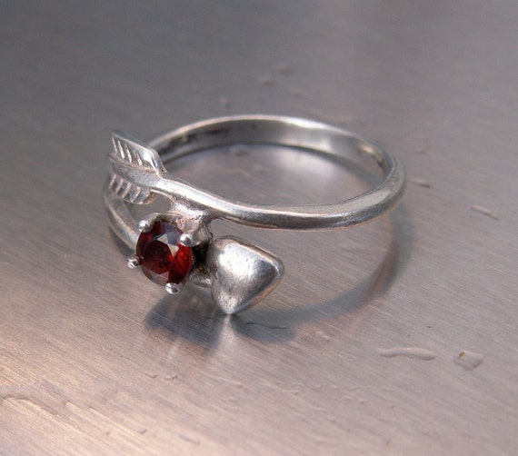 RESERVED FOR MAGDALEN Vintage Ring Sterling Silver Avon Size 8 Hunger Games Katniss Everdeen Red Ruby Arrow Stone