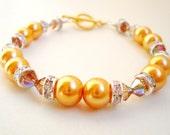 Pearl Bracelet, Caramel Single Strand Pearl and Brown Swarovski Bracelet, Clear Rhinestone Gold Tone, Wedding Jewelry, Party Accessory