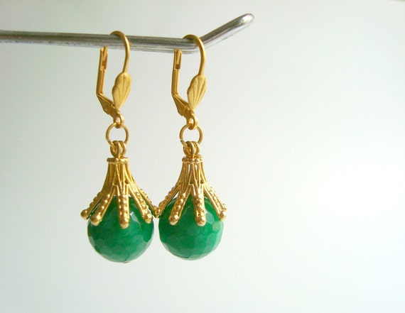 Delicate Jewelry, Gold Leverback Earrings with Palace Green Agate Round Drop, Minimal Jewelry