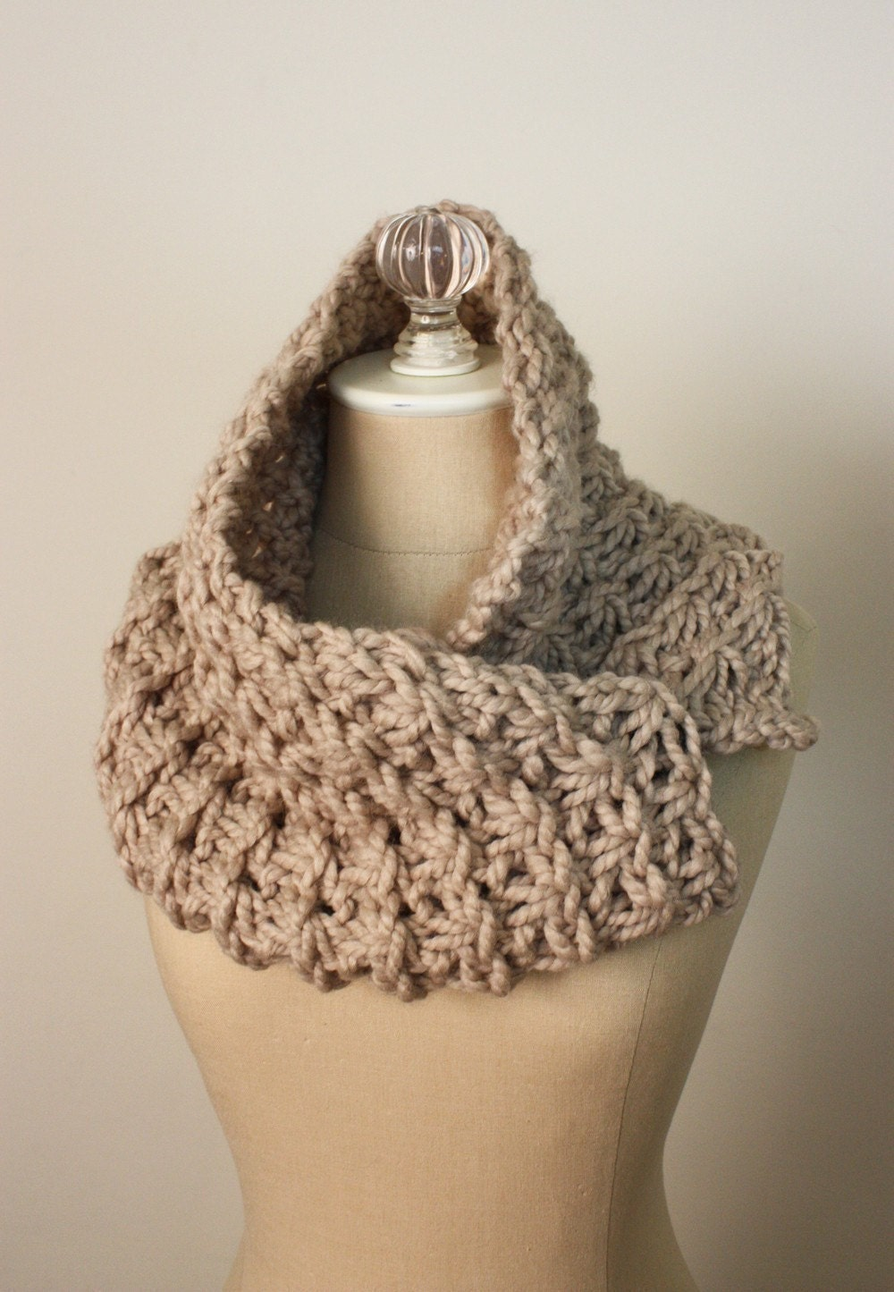 Free Knitting Patterns For Women s Cowls : Cowl Pattern / Knitting Pattern / Chunky Bulky Oversized Quick