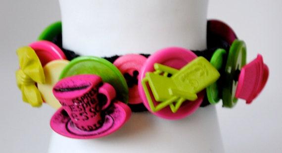 Colorful Button Bracelet/Charm Bracelet/OOAK/Summer Jewelry/Pink/Lime Green/Under 25 USD/Expandable