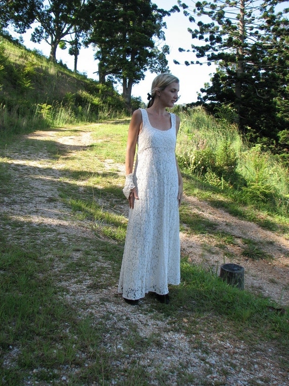 Goin Back, re vamped 60s vintage wedding dress, fab lace maxi, tres flattering, M
