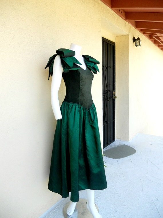 Emerald Green Gown - Vintage Prom Dress - Formal Gown - Evening Dress Velvet - Satin Bows