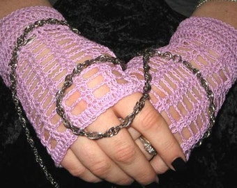 Crochet Lace Fingerless Gloves in Lilac with Vintage Buttons     Steampunk  Victorian