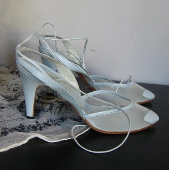 70s heels - ankle bow tie and leaf toe decor vintage pumps - size 6.5