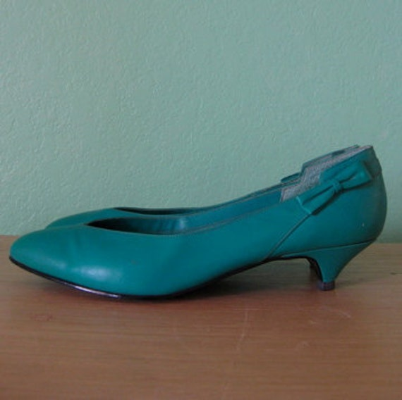vintage teal kitten heel pumps 9 by roseabove on Etsy