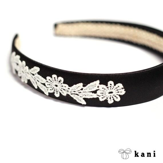 lacey daisy headband in ebony black