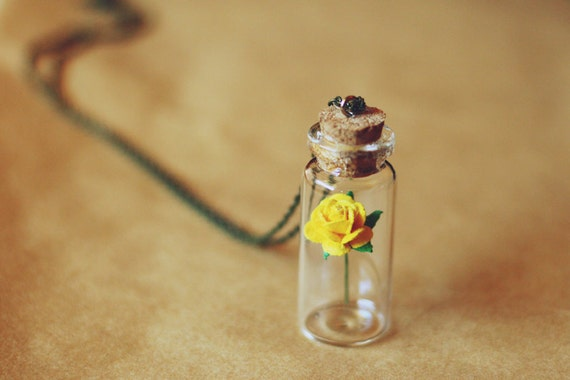 yellow rose valentines day necklace