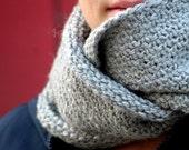 Knitting pattern infinity scarf bulky weight - Bethanie