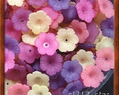 120pcs of Acrylic Flower Beads, Mixed Matte Colors