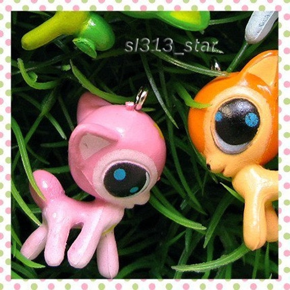 4pcs of Big Eyes Deer Plastic Charms, Mix Color