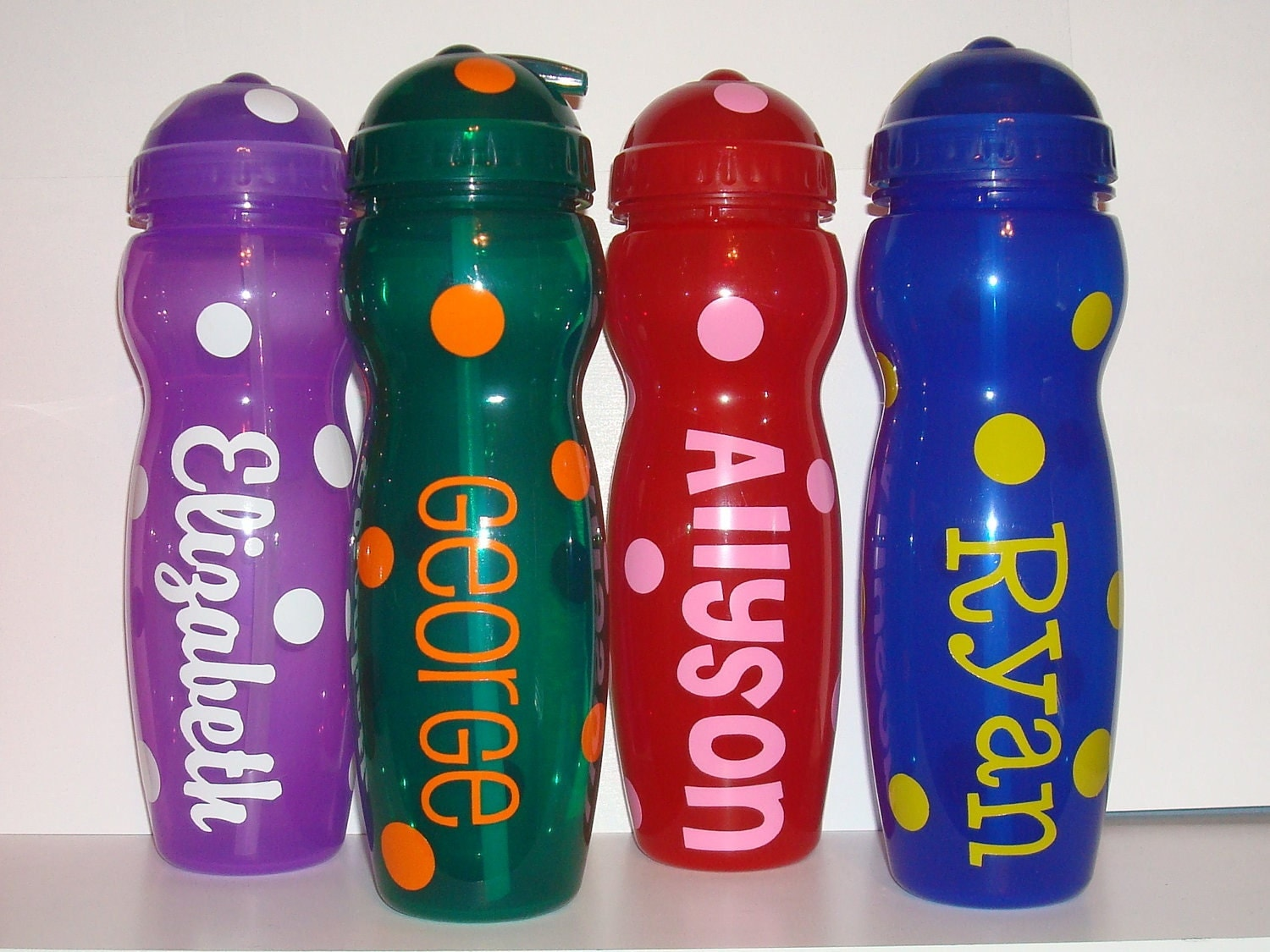 Personalized plastic water bottle with straw polka dots kids for Unique plastic bottles