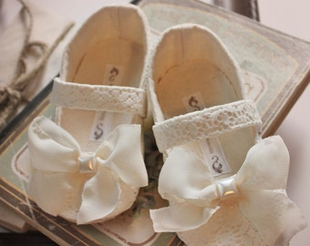 baby girl shoestoddler girl shoes soft soled shoes wedding shoes flower girl shoes cream shoes lace