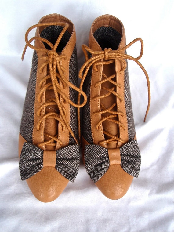 Roper Ankle Booties- Tweed and Tan Bow Lace Up Boots Sz. 5, 80s, Leather, Shellys, Deadstock