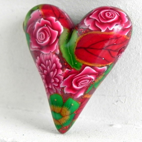 Handmade Polymer Clay Christmas Heart Bead Set with Red and Green Flowers